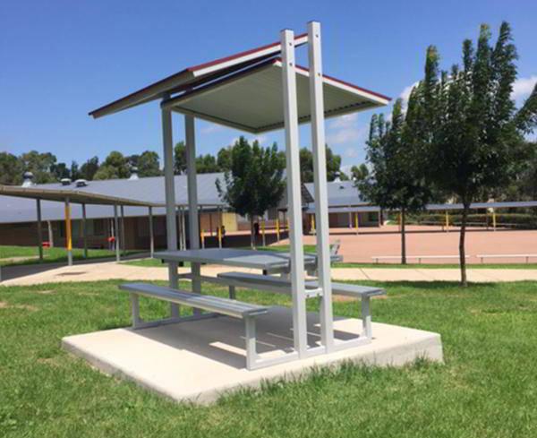 Felton Eco-Trend Sheltered Park Setting