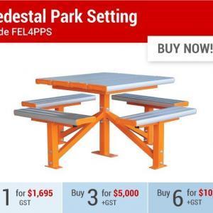 Felton Bestseller Pedestal Park Setting
