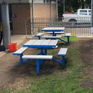 Felton 4-Sided Pedestal Park Setting at Jesmond Public School